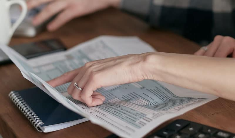 Benefits Of Instructing A Commercial Debt Collection Agency instructing a commercial debt collection agency